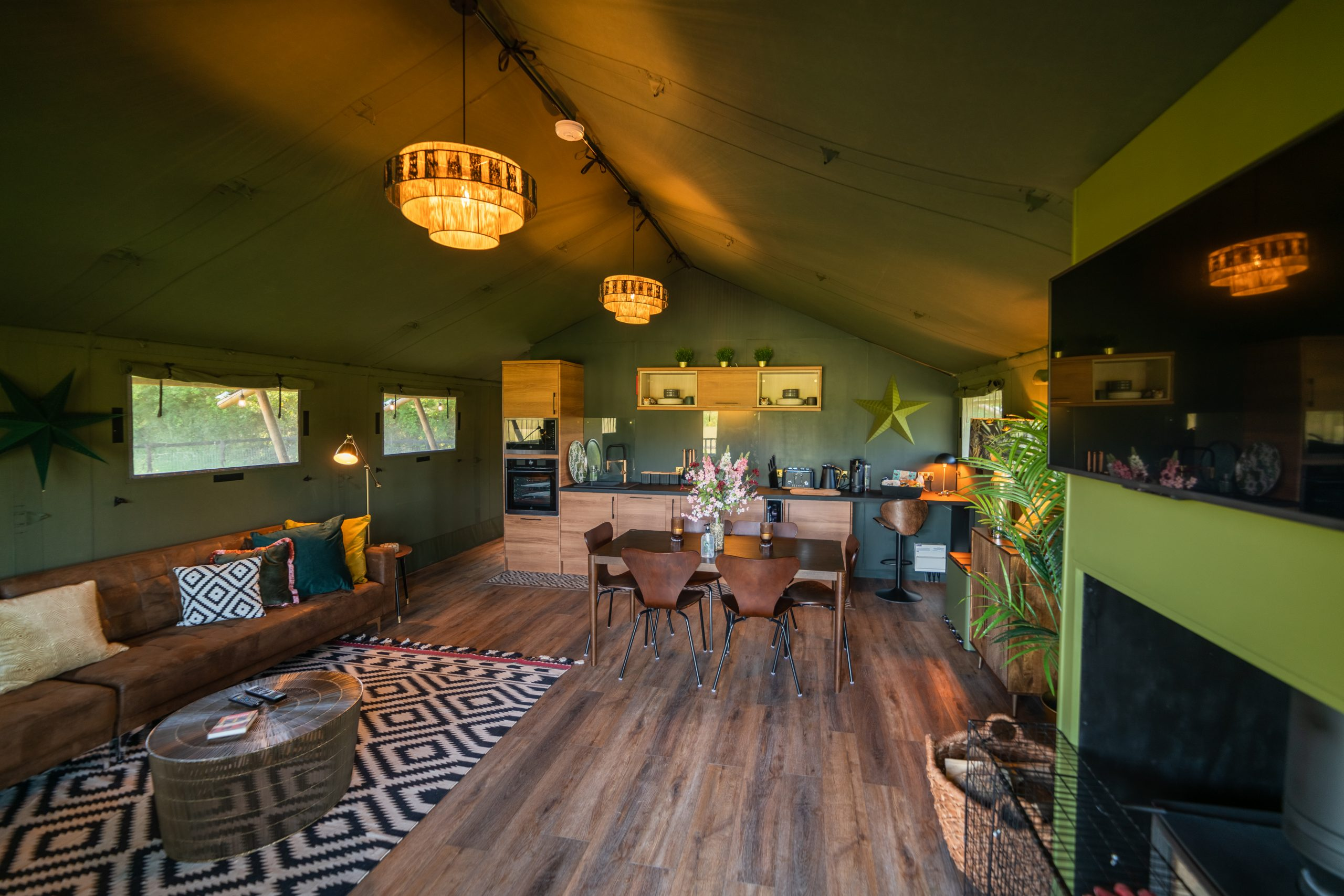Swallowfields Luxury Glamping Retreat welcomes its first guests!
